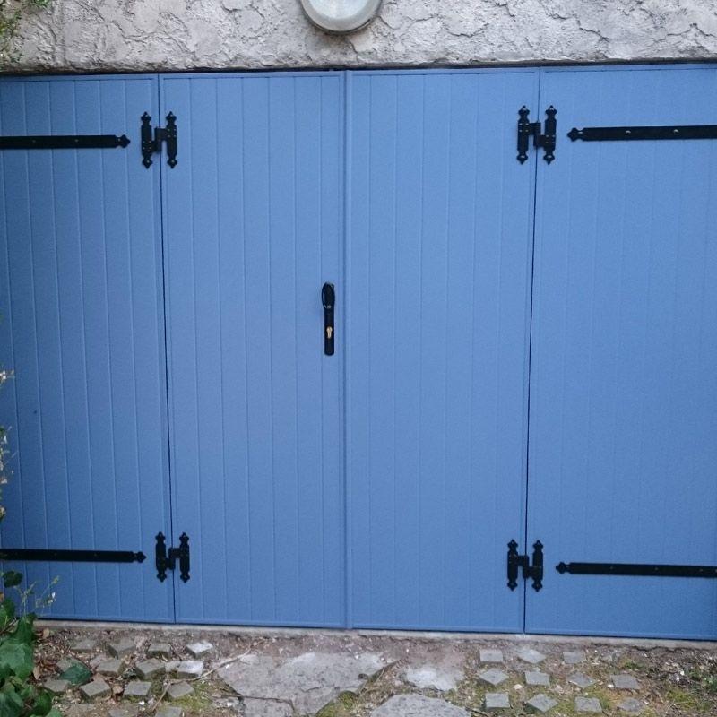 Volet ou porte de garage battant à quatre vantaux